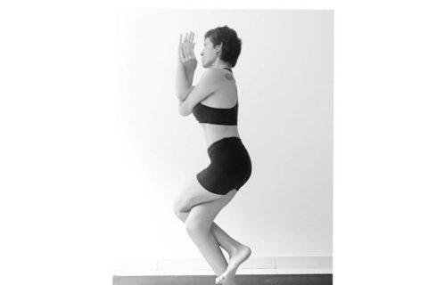 Garudasana postura
